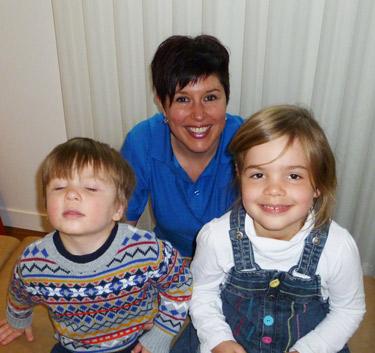 Dre. Ève Laferrière with pediatric patients.