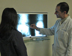 Dr. Frank Iulianelli discussing his findings with a patient.
