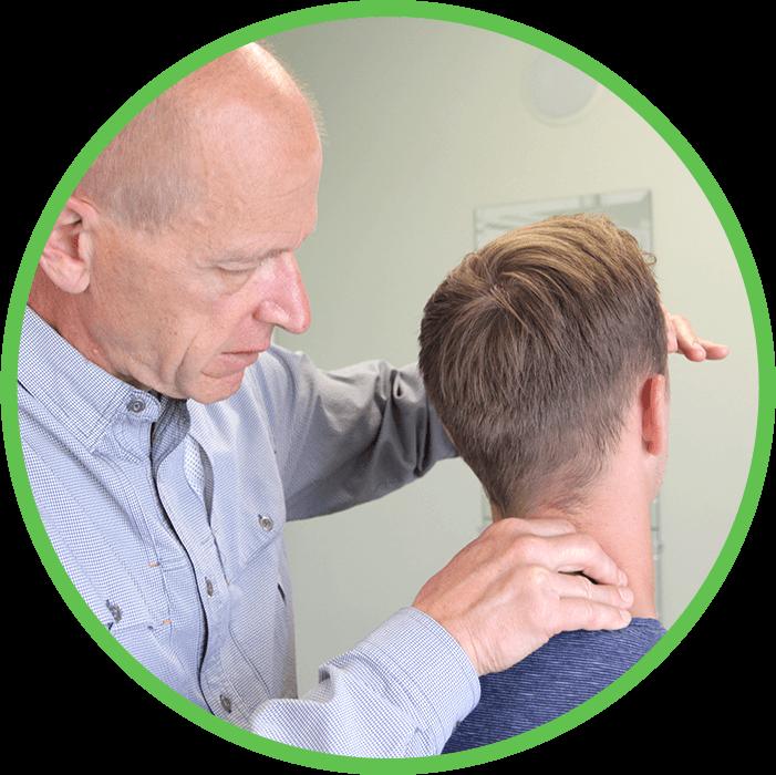 Dr. Andreas Pagenkopf adjusting patient