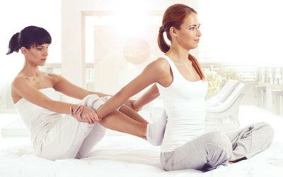 thai-massage-arm-stretch