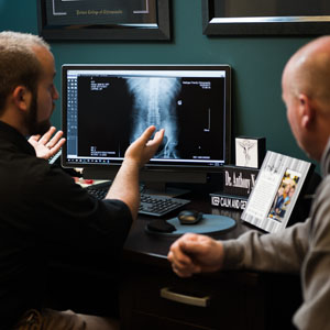 Discussing the X-ray results to patient