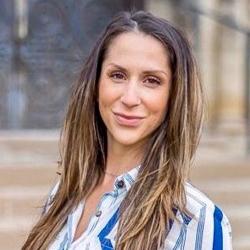 Lisa Napoli, MPT, Registered Physiotherapist and Pelvic Health Physiotherapist