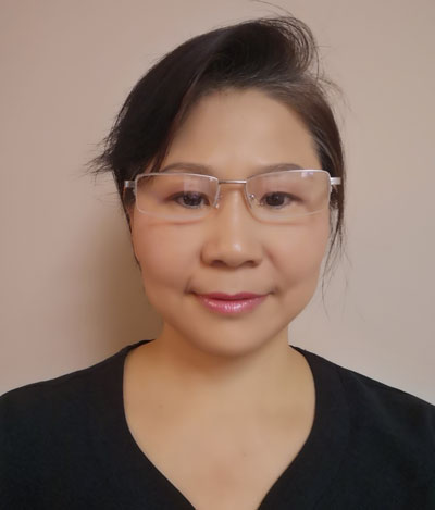 Acupuncturist Nina Tang