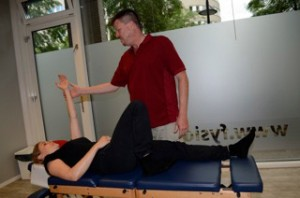 Testing for hyperflexion of the right knee