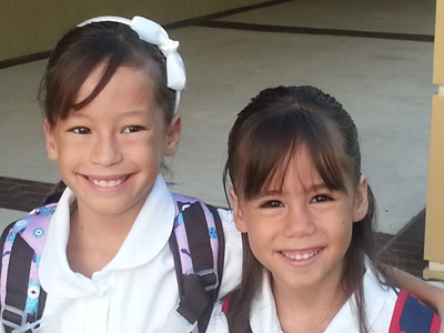 little-girls-with-backpacks