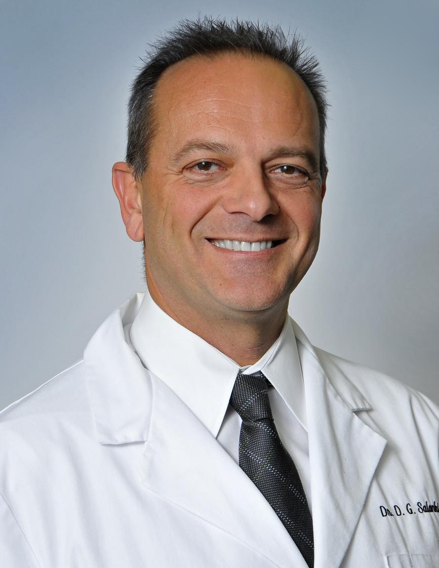 Dr.David Salanki Headshot.