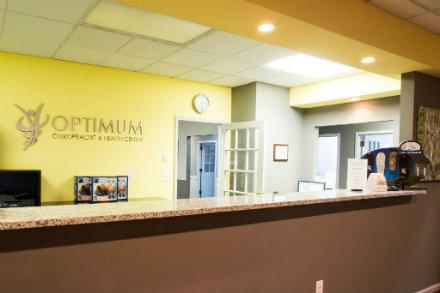 optimum_chiropractic-front-desk