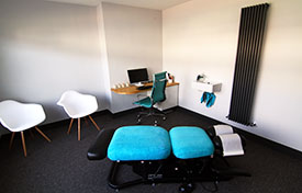 Feel relaxed in our comfortable adjusting room.