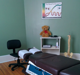 Carter Chiropractic Clinic adjusting room.