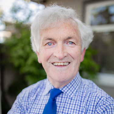 South Island chiropractor Dr. Simon Roughan