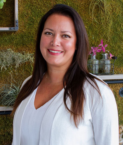 Friends & Family Spinal Care Chiropractic Assistant, Event Coordinator, Maly