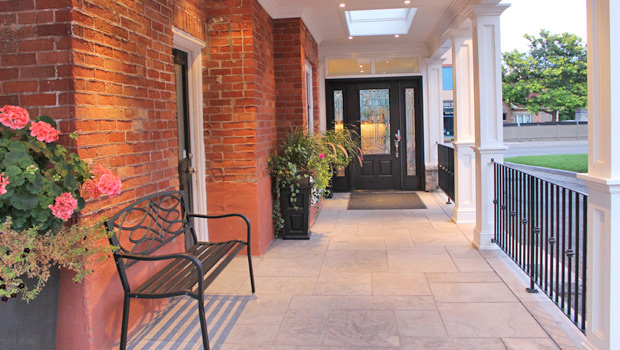 Moore Chiropractic Group Entrance
