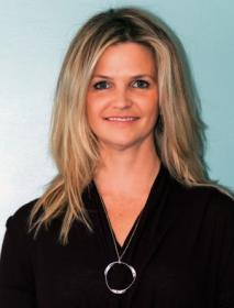 Dr. Annie Ouellet