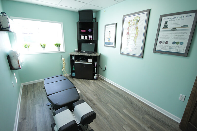 Chiropractor Royal Oak Exam Room