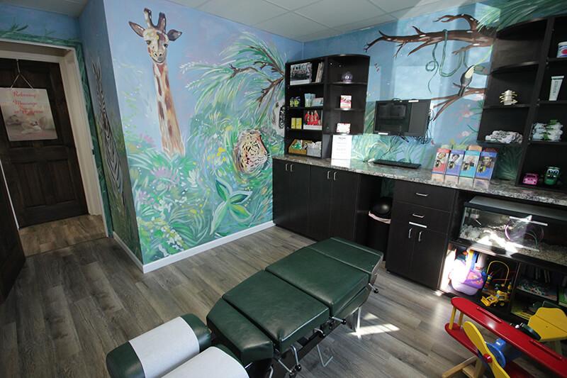 Chiropractor Royal Oak Kids Exam Room
