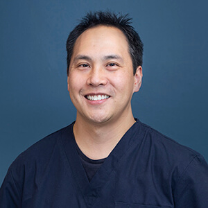 Dr William Huynh