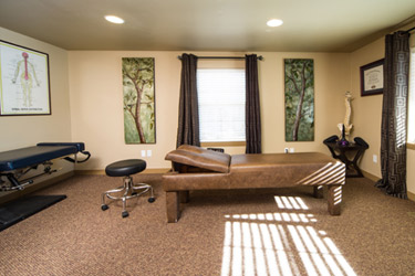 Chiropractor Bend Adjusting room