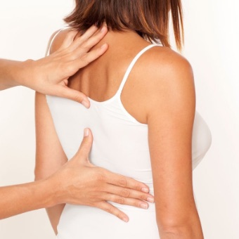 Drayton Chiropractor With Patient