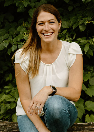 Dr. Rachel Hovey headshot