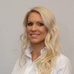 Abbey Vandeloo, Chiropractic Assistant