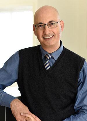 dr-maged-aziz-surgeon-2