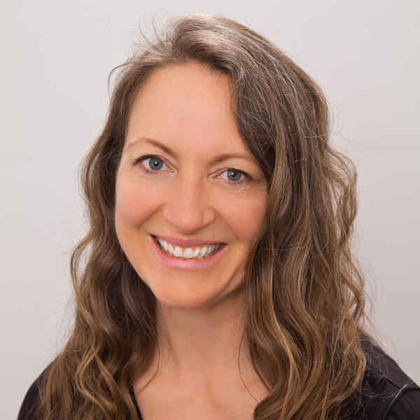 Lori Kinahan, Physiotherapist