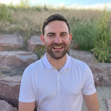 Chiropractor Aurora, Dr. Aaron Neuerburg