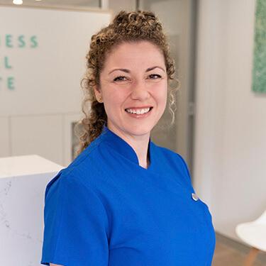 Dr Yvonne Monte, Dentist