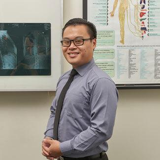 Chiropractor South Jakarta, Dr Erick Helia D