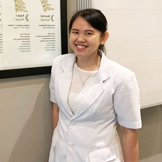 Chiropractor South Jakarta, Dr Rosa Widian