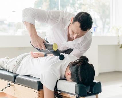 Doctor doing adjustment