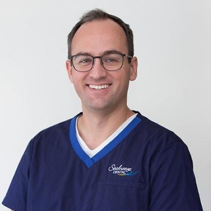 Dr. Scott Curtis headshot