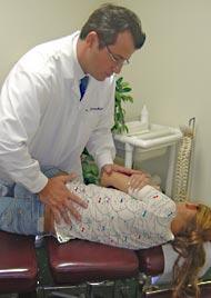 El chiropractic ayuda a la gente de todas las edades.