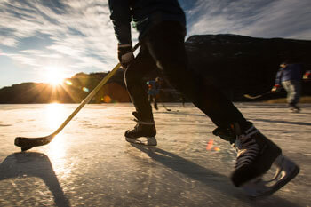 hockey-players-on-frozen-pond