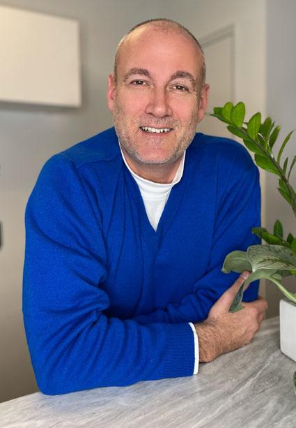 Dr. Alex Erdelyi