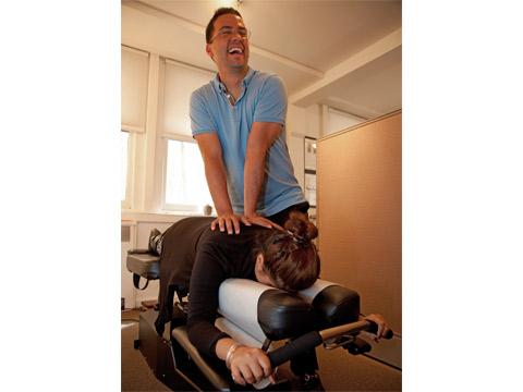 Chiropractor Upper East Side giving chiropractic adjustment