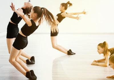 girls jkin dance class