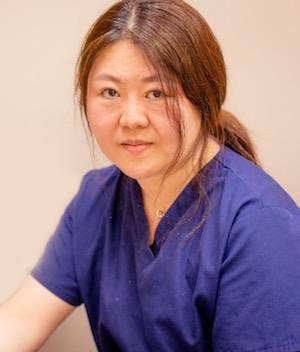 Acupuncturist Sandy Qian