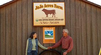 jujo-farms-couple