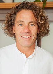 Dr John Kavanaugh, Manhattan Chiropractor
