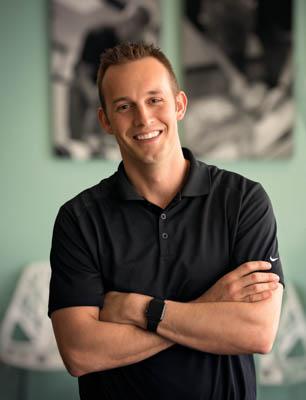 Davenport Chiropractor, Dr. Travis Howell