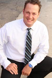Chiropractor Costa Mesa, Dr. Daniel Clements