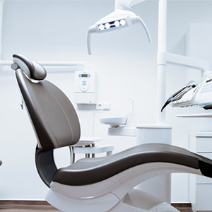 Dental surgery chair