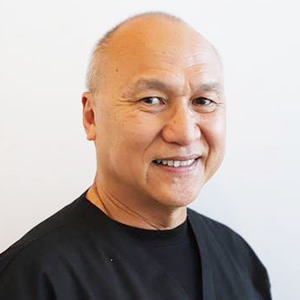 Dr Peter Sim, Dentist Carramar
