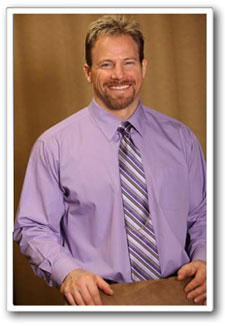 Chiropractor, Dr. Kurt Adams