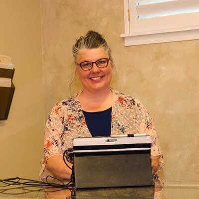 Coeur d'Alene Wellness Assistant, Desi Weber