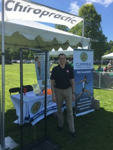 Dr. Bob Cummins volunteered at the annual Walk to Cure Arthritis by performing complimentary posture and spinal screenings at the Renton Cedar River Park over the weekend.
