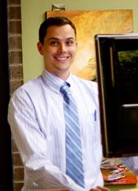 {PJ} Chiropractor Dr. Robert Cummins