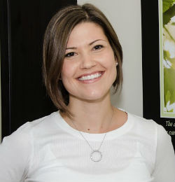 {PJ} Chiropractor Dr. Laura Dorbrinsky
