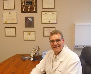 Dr. Thomas Schmidt of Schmidt Chiropractic Clinic in Woodbury